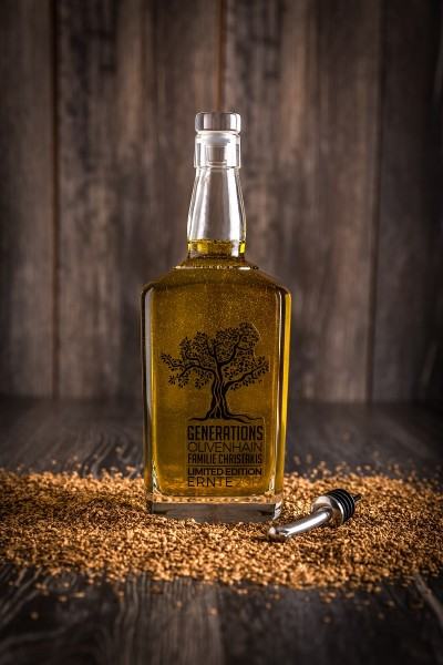 Olivenöl gefiltert aus dem Generations-Olivenhain Christakis 700 ml