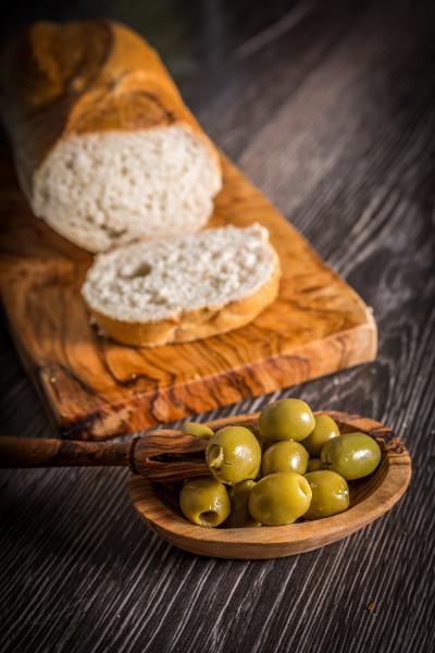 Schale aus Olivenholz oval 12 cm